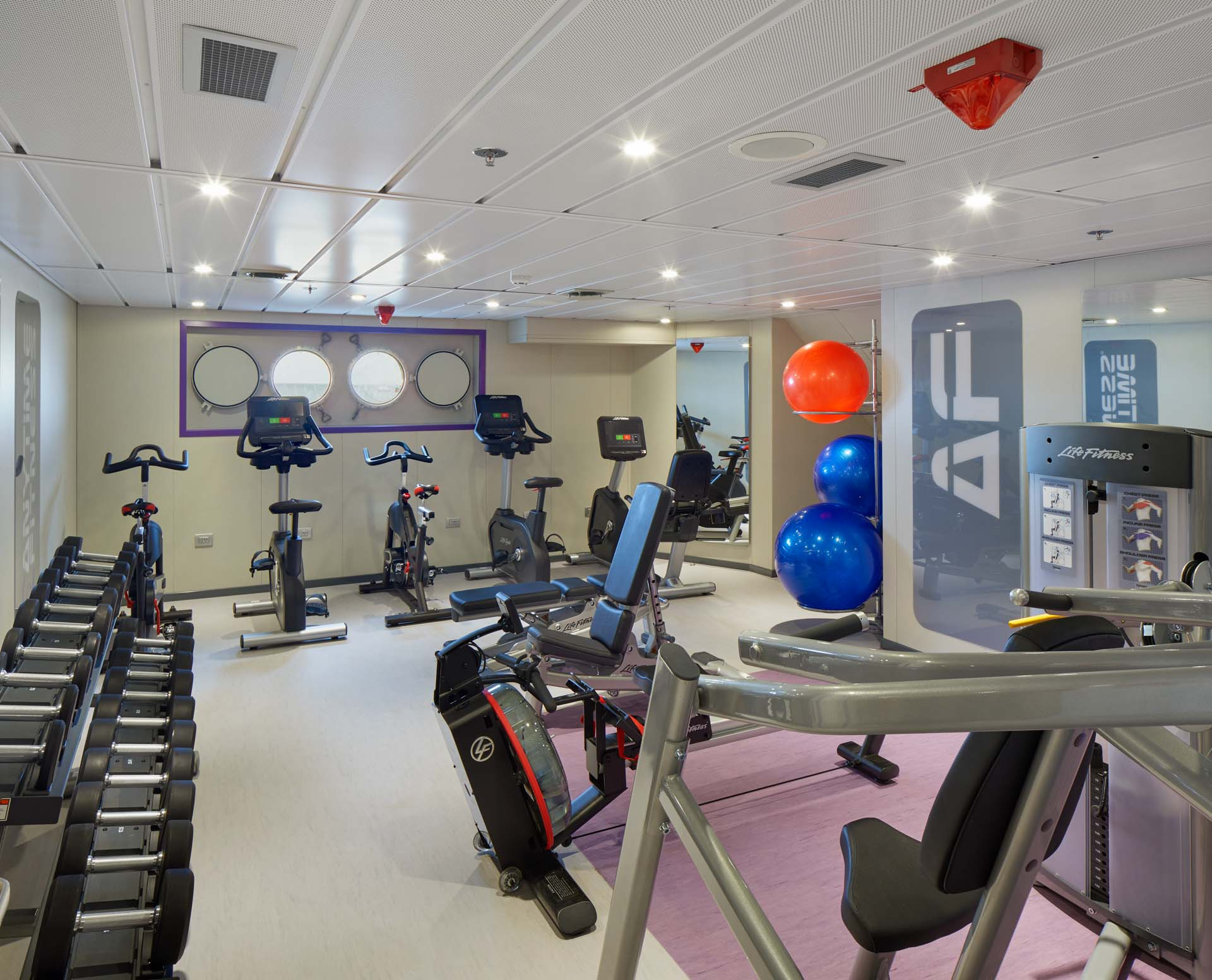 Anytime Fitness gym on board Magellan Explorer, photography by Tom Arban.